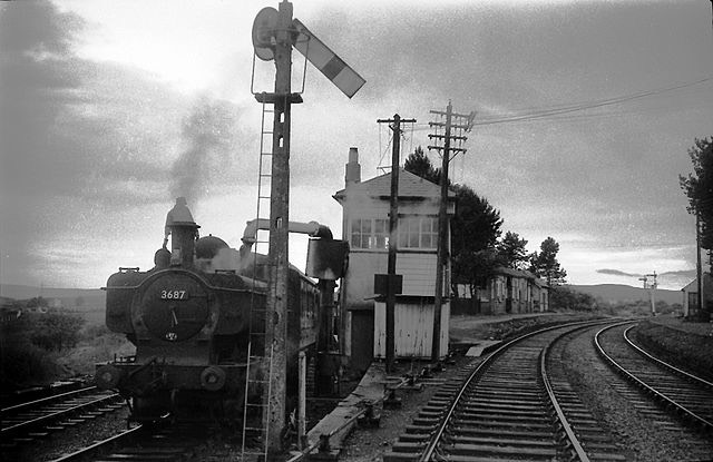 640px-Coelbren Junction station